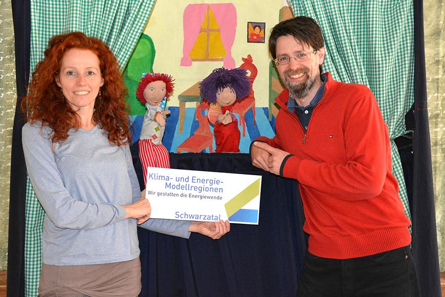 Kasperl und Klimafee zu Besuch im Kindergarten Schmidsdorf