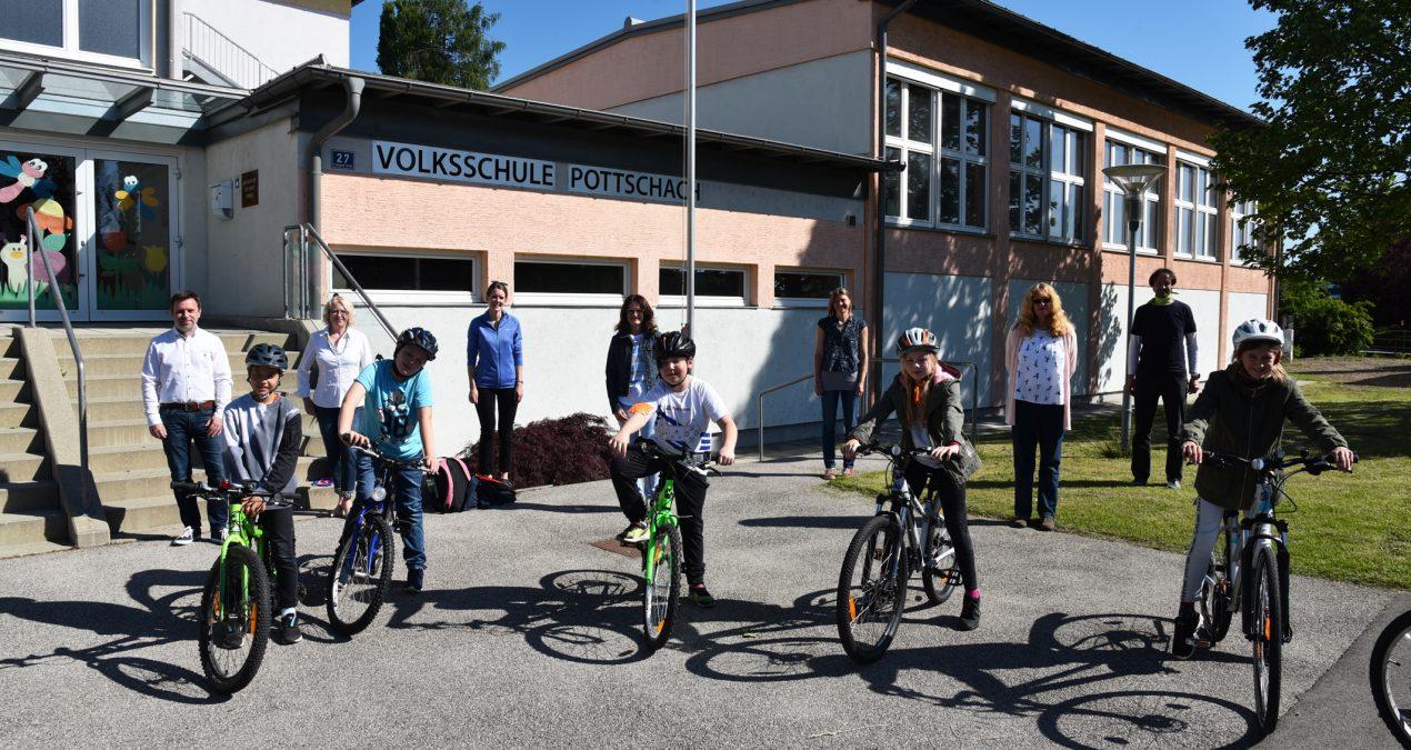 Freiwillige Radfahrprüfung in der Volksschule Pottschach